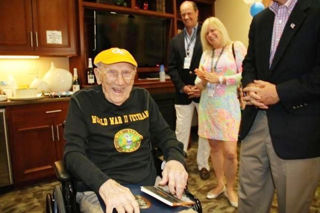 Usia Sudah 104 Tahun, Kakek Ini Tetap Semangat Kuliah