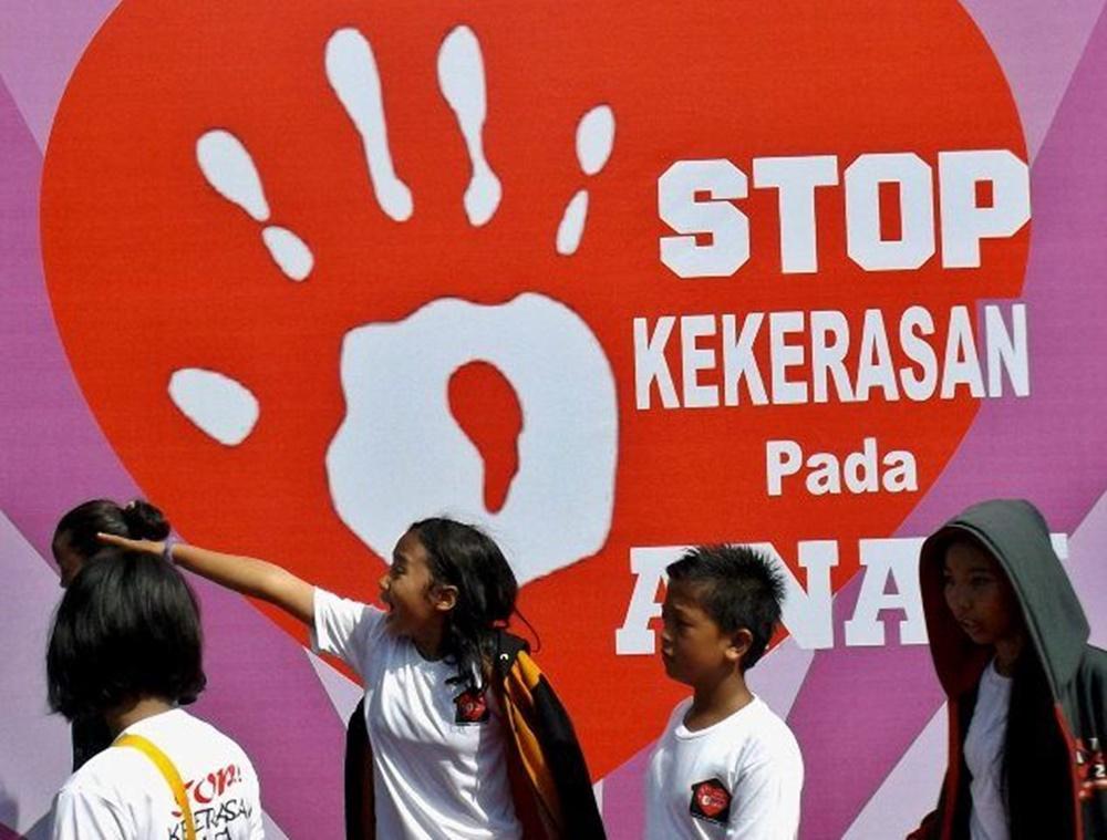 100 Anak Gelar Aksi di Jalanan