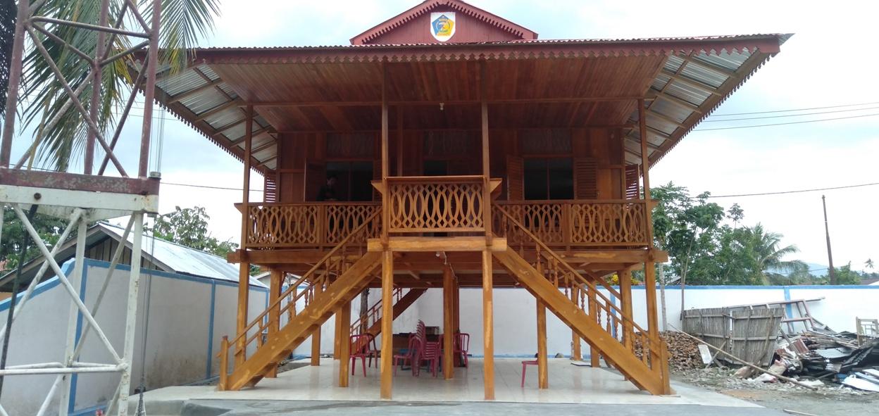 Replika Komalig Istana Kerajaan Suku Mongondow