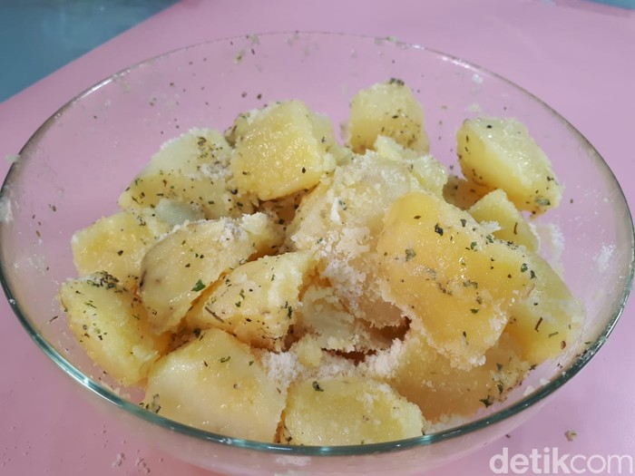 resep kentang ongklok keju yang empuk gurih dan lembut 1